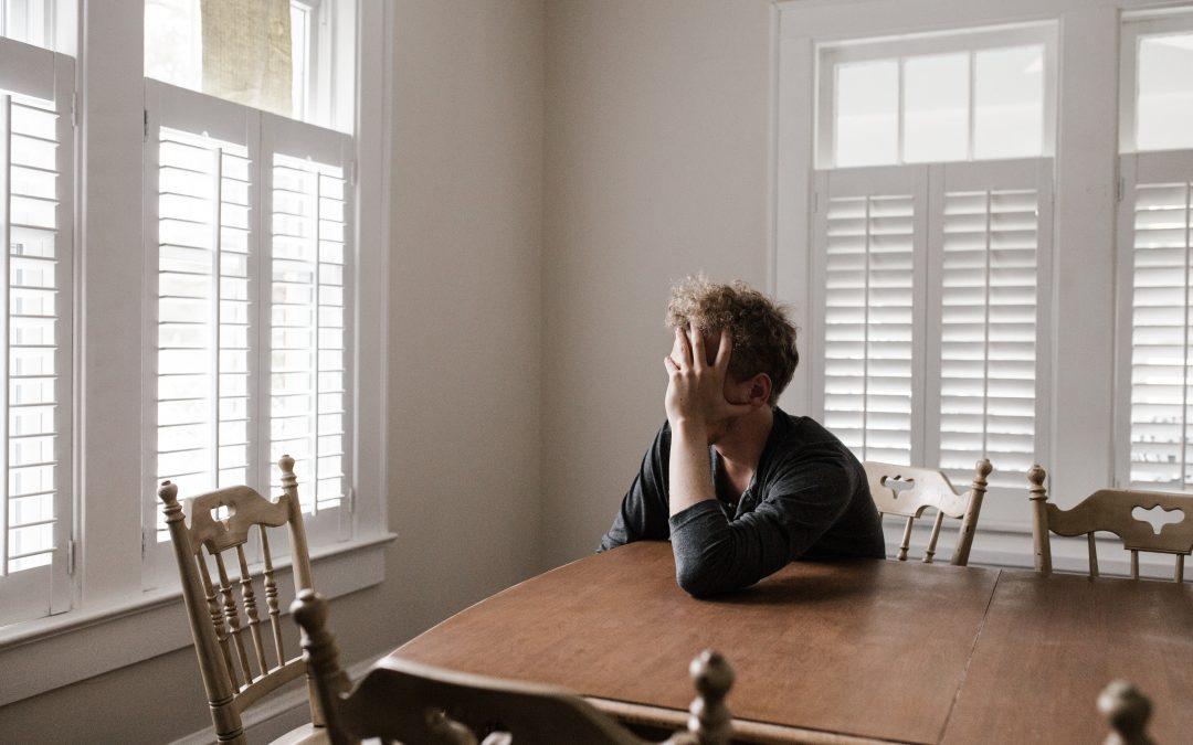 Comment surmonter la solitude pendant la pandémie de COVID-19